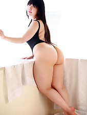 Hawt asian corpulent booty and..