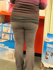 Hawt fat rump nubiles in yoga pants!