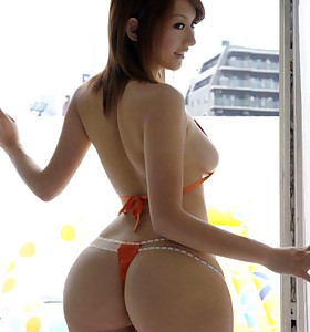 Hot oriental bubble booty and taut bum women