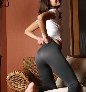 Beauties with buble butt in black leggings