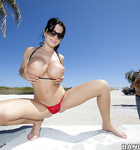 We brought in Rebeca Linares to show off her chunky booty and sweet tits for u all