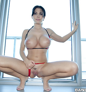 We brought in Rebeca Linares to show off her chunky a-hole and sweet billibongs for u all