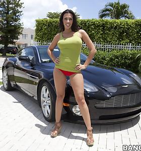 Fucking wet ass Rachel Starr is each mans fantasy and today's his fortunate day. This babe takes the schlong like a champ.